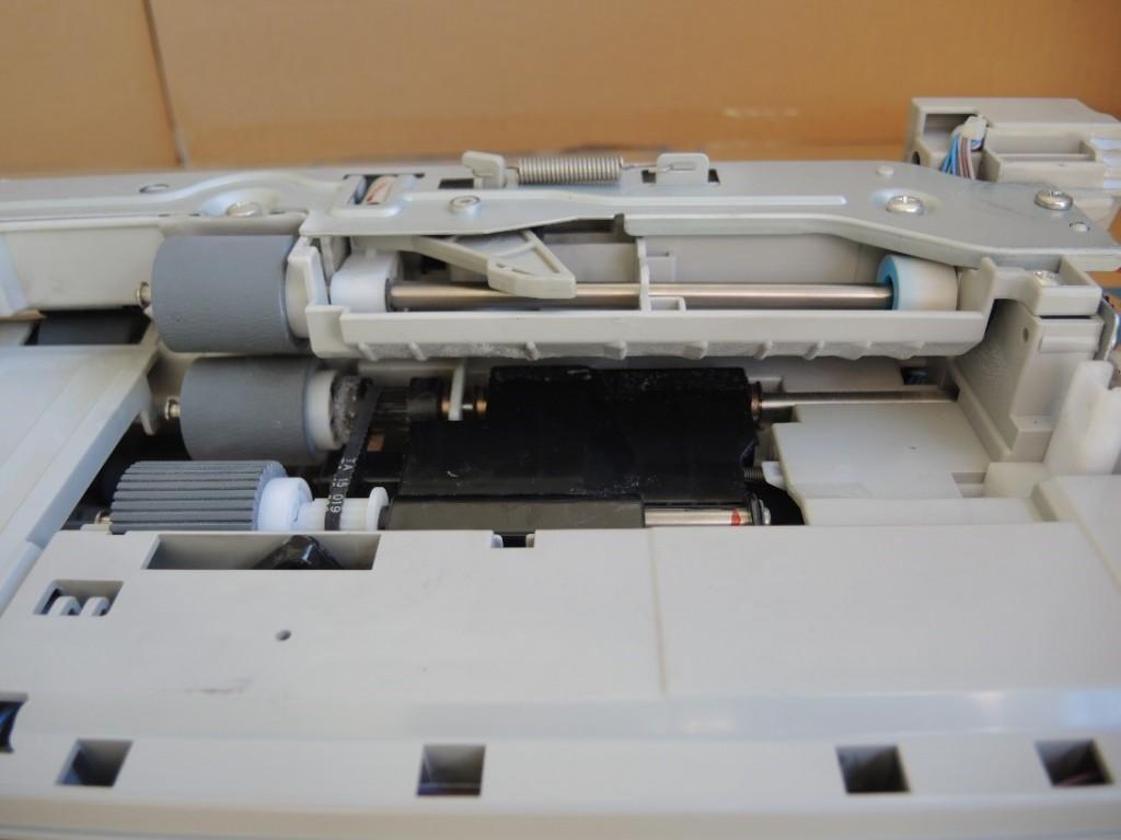 lazerinio-printerio-popieriaus-padavimo-mechanizmas